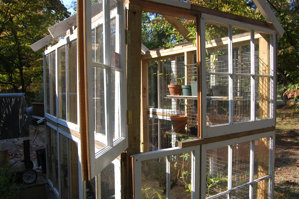 5 Types Of Greenhouses You Can Build Out Of Recycled
