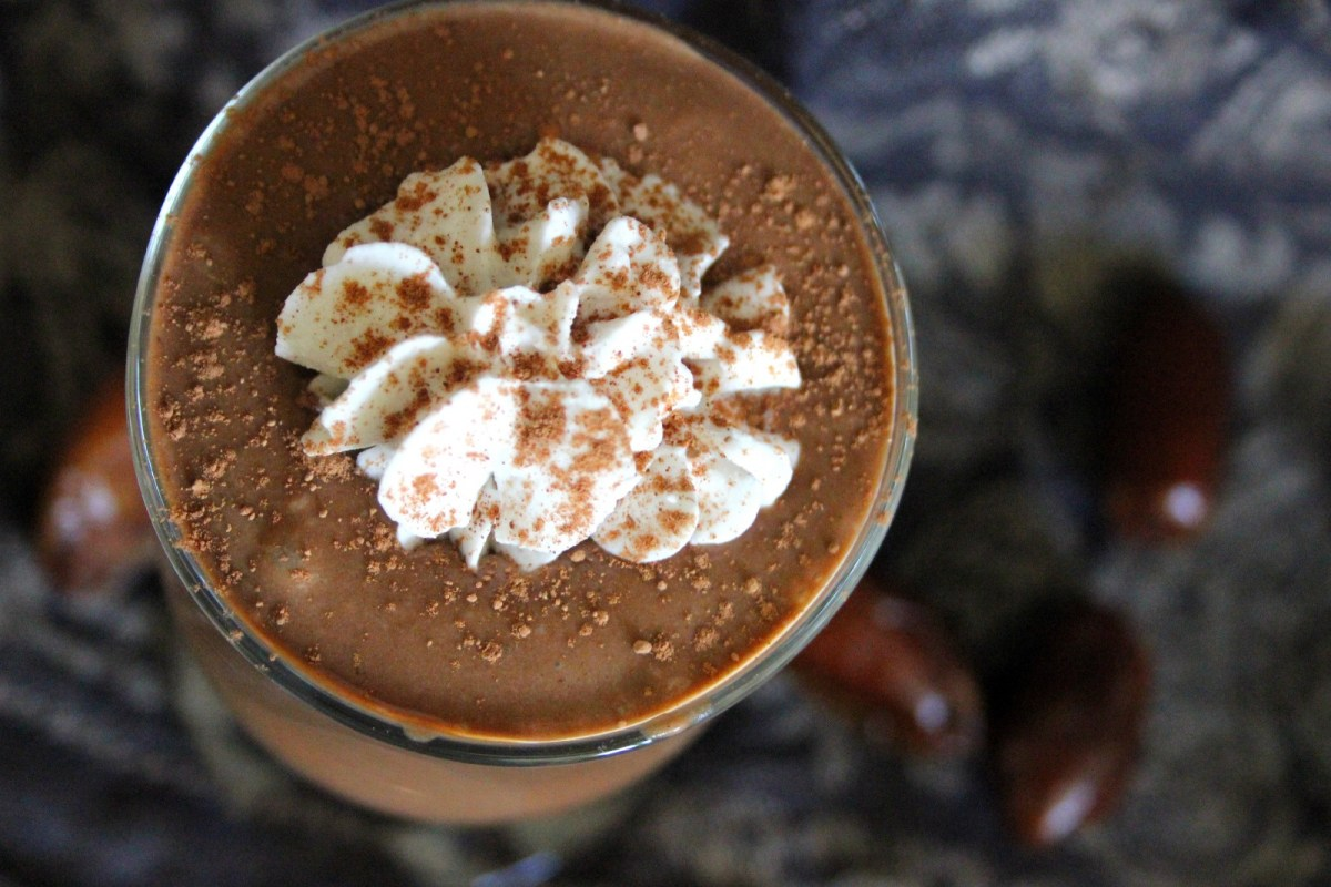 Vegan Caribbean Chocolate Smoothie: Coconut, Rum, and Cacao