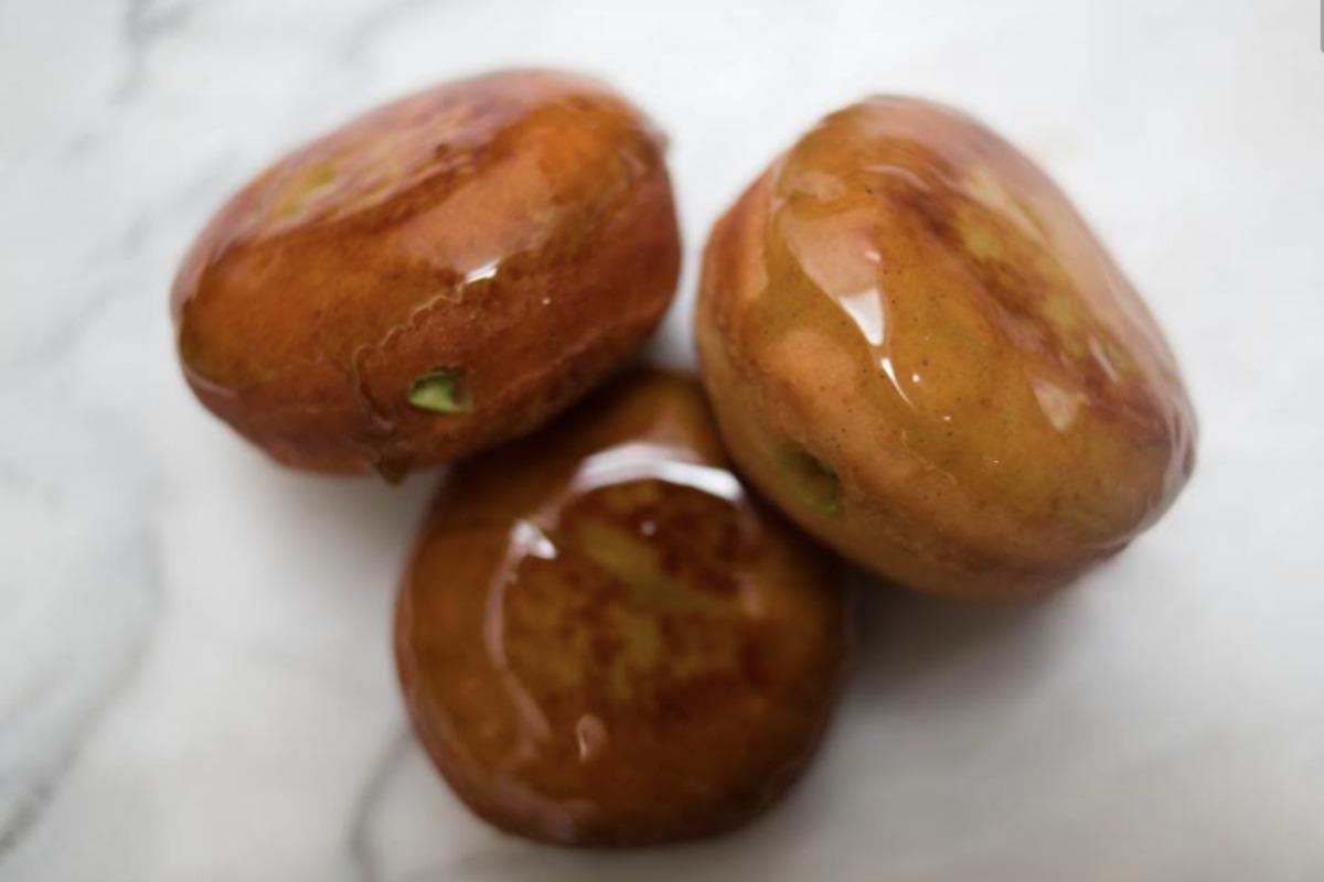 f0df8965 Matcha Glazed Vanilla Bean Donuts With Matcha Cream Filling [Vegan]