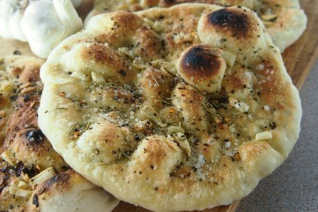 Quick Rise Vegan Garlic Breads [Vegan]