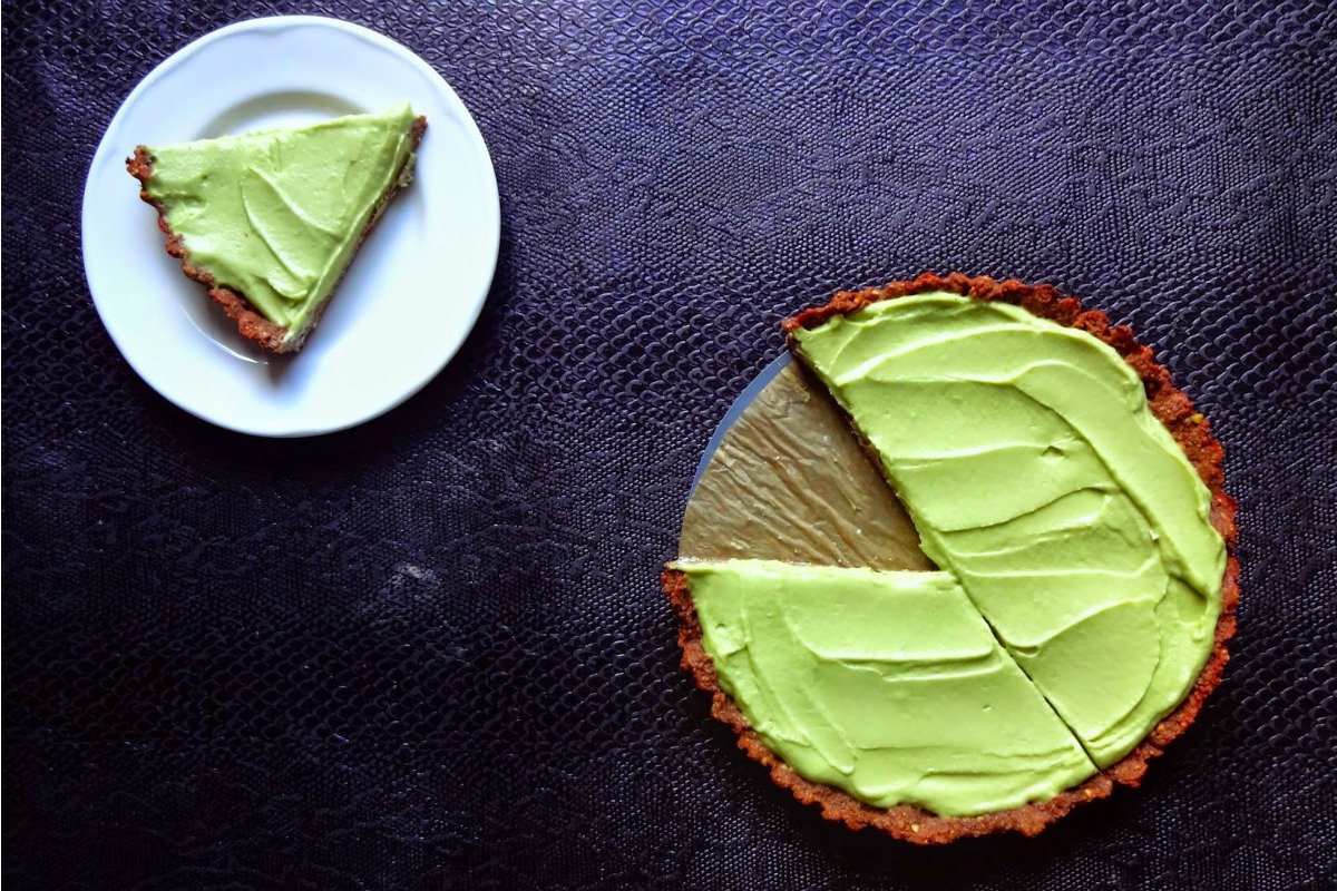 Healthy Key Lime Pie With Chocolate Crust [Vegan, Gluten-Free]