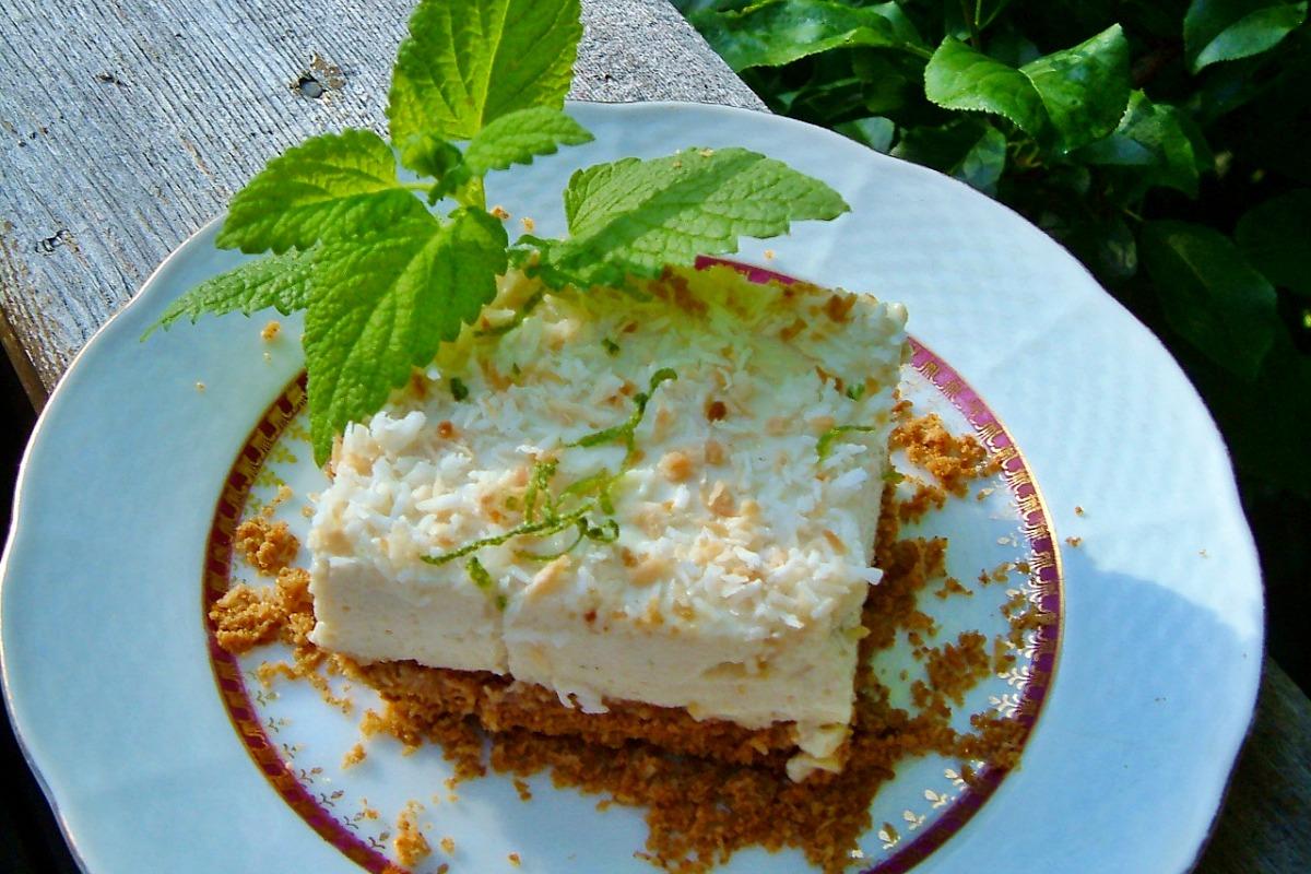 Key lime or lemon lime bars vegan one green planetone for Bar food vegetarian