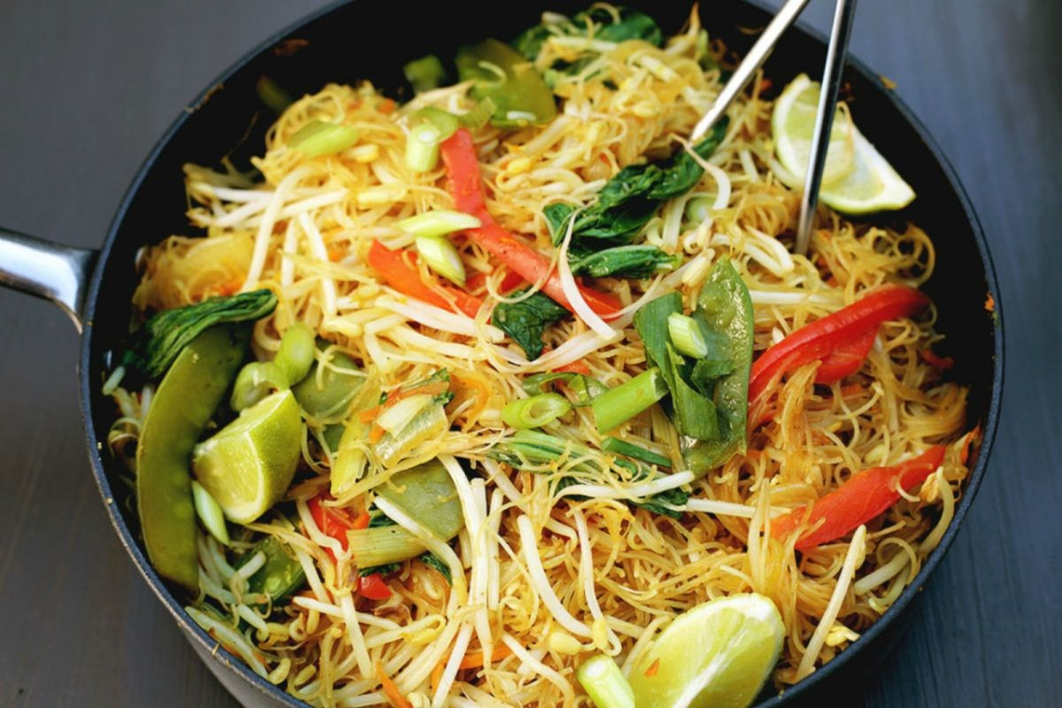 One pan singapore noodles vegan gluten free one green planet forumfinder Images