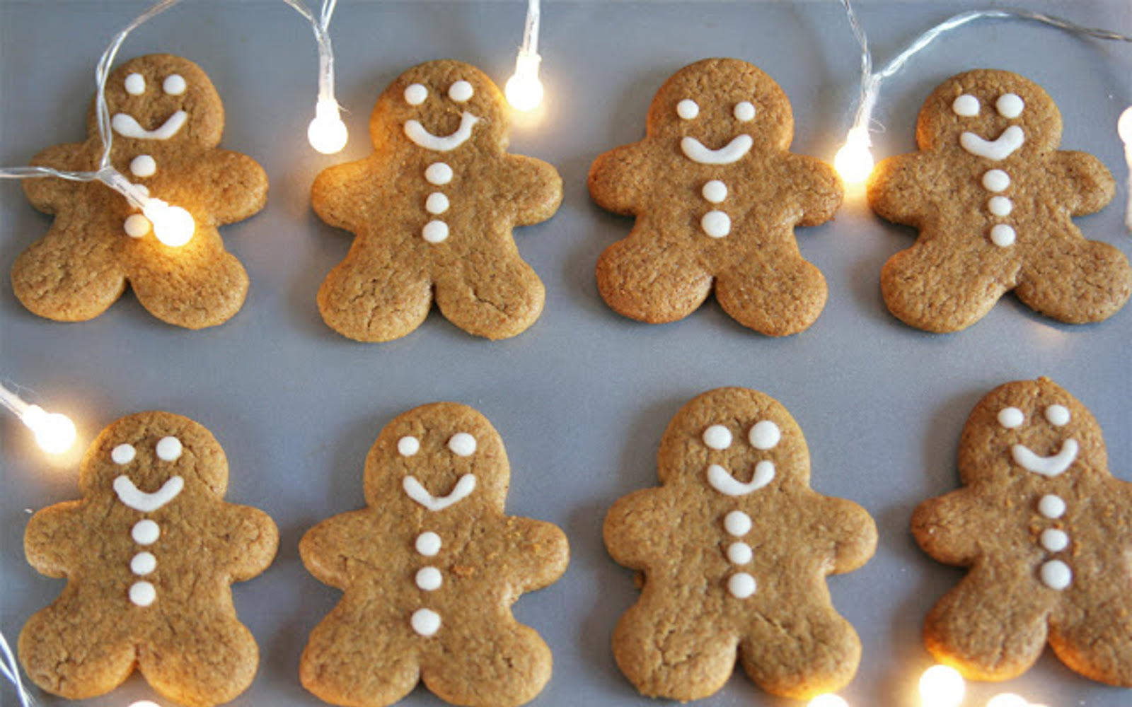 Gingerbread Christmas Cookies [Vegan] | One Green Planet