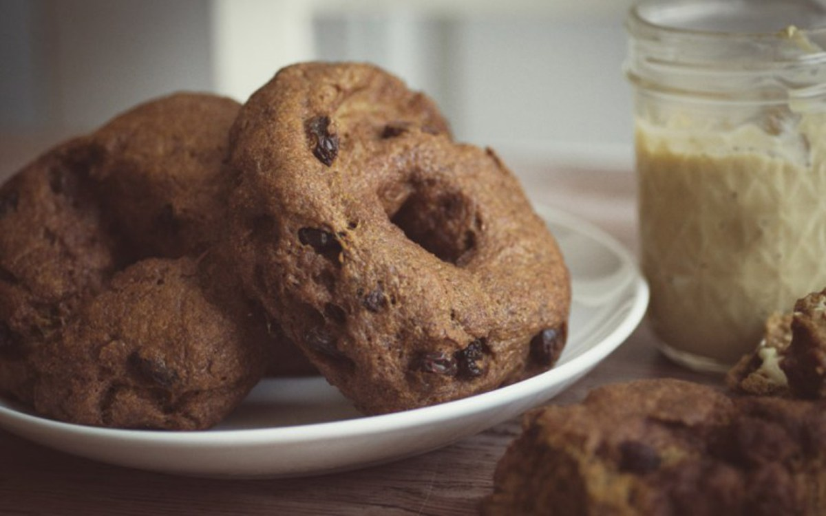 Vegan Cinnamon Raisin Bagels With Maple Cashew Cream Cheese