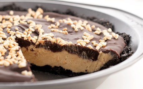 Sandwich Cookie Peanut Butter Pie
