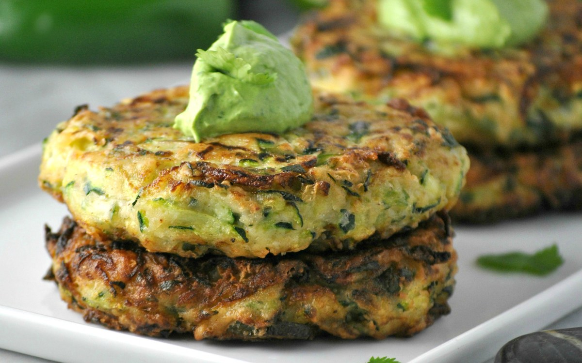 Ketogenic Zucchini Pancakes | All Articles about Ketogenic Diet