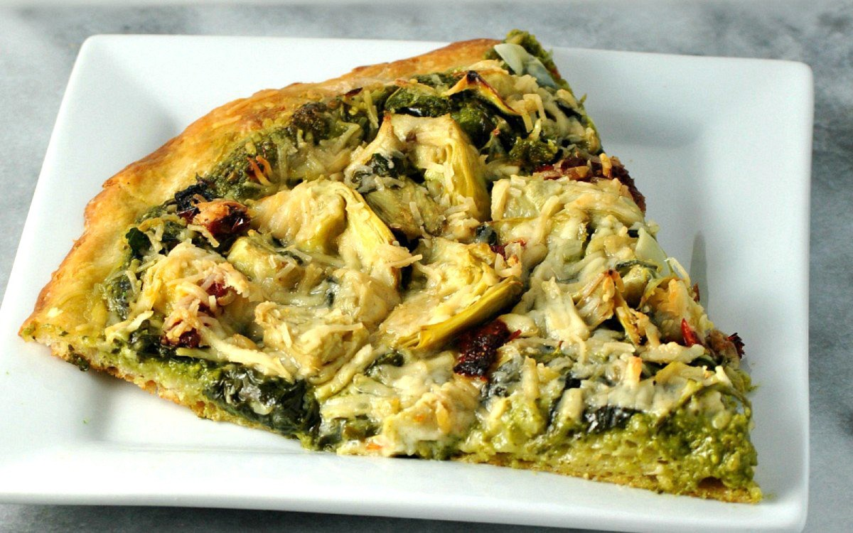 Artichoke and Spinach Pesto Pizza [Vegan]
