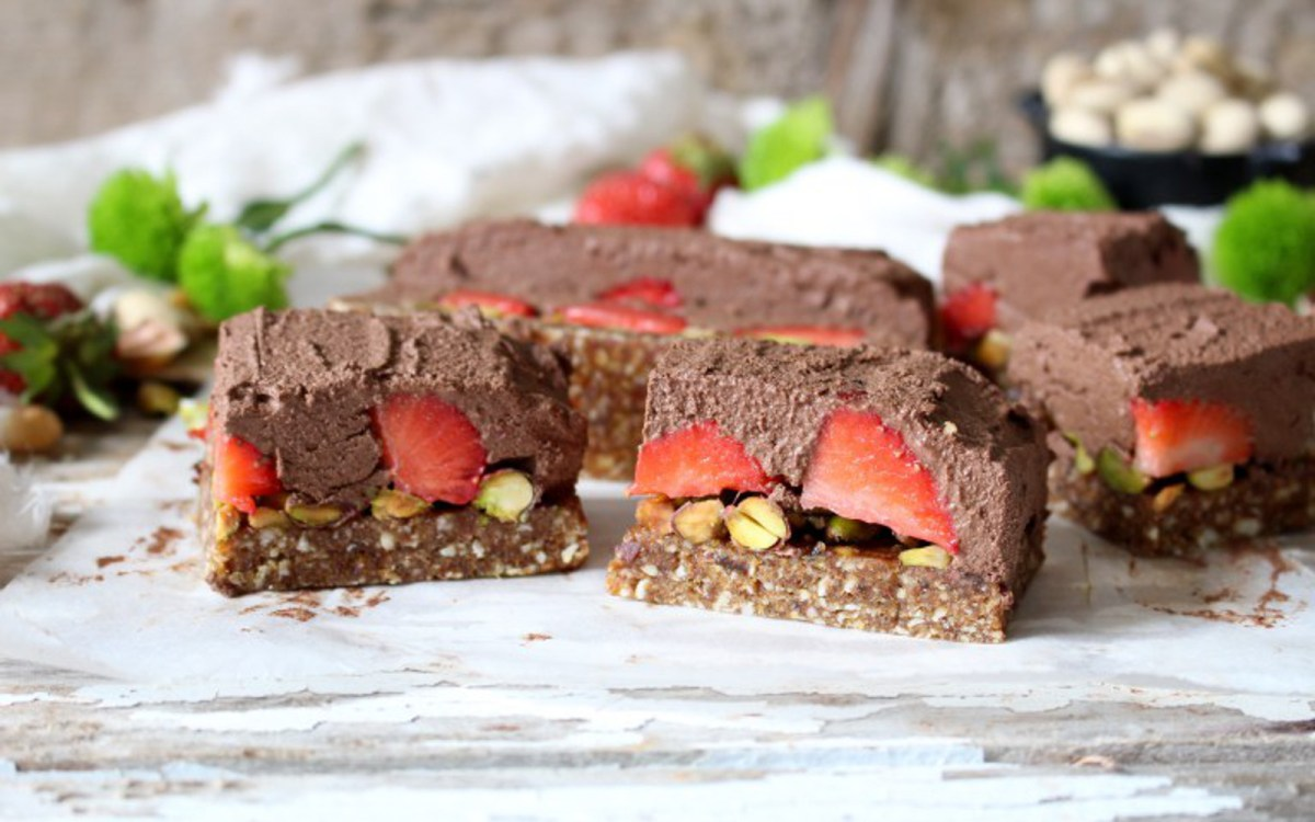 Strawberry Pistachio Chocolate Mousse Bars