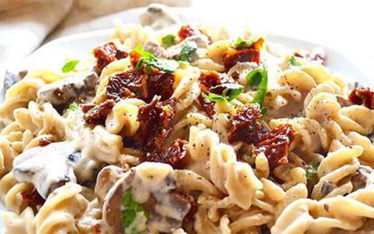 Pasta in a Creamy Garlic Mushroom Sauce