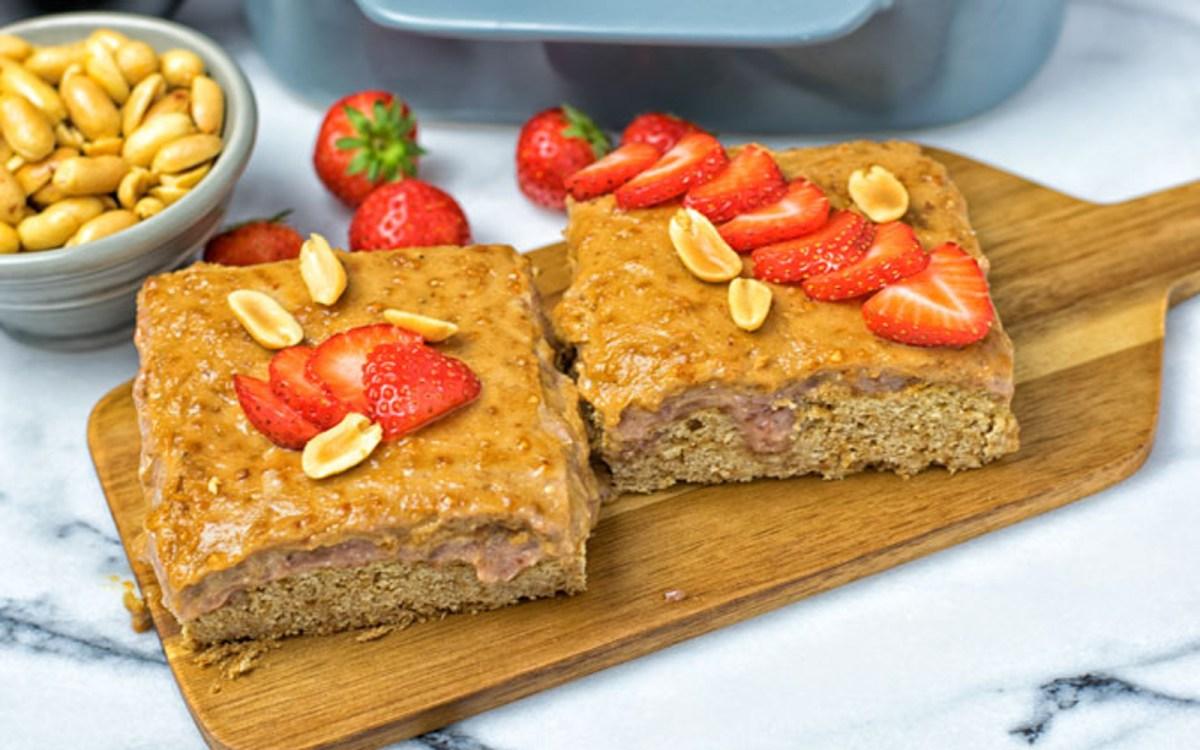 Vegan Jelly Cake Recipe: Peanut Butter And Strawberry Jelly Poke Cake [Vegan