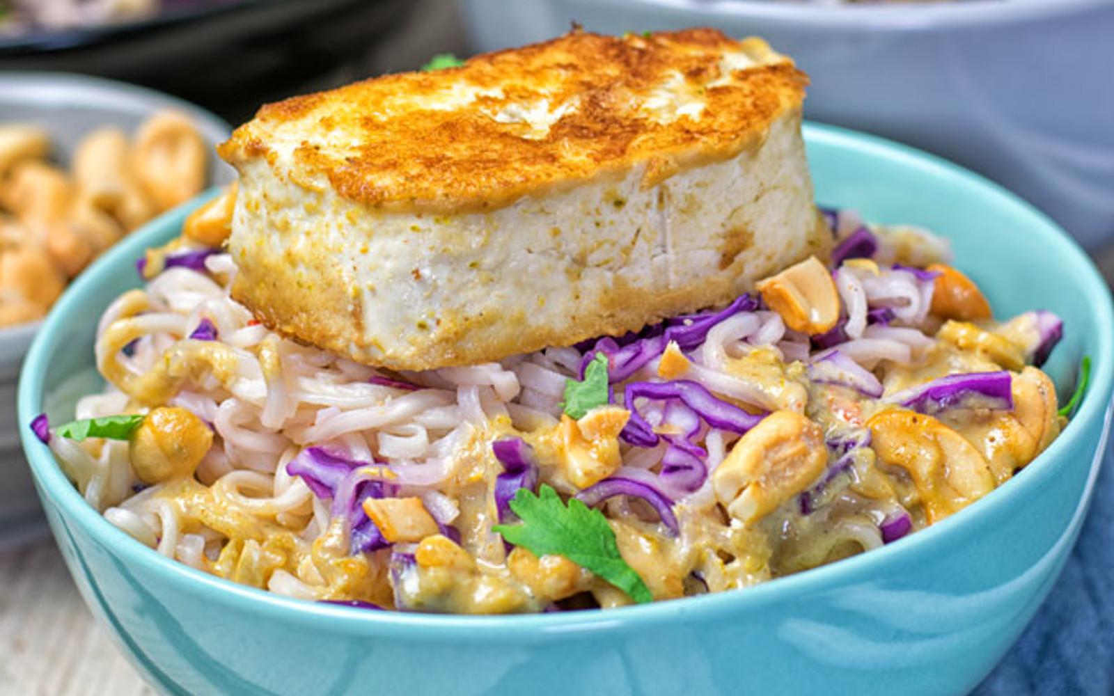 Thai Green Curry Tofu Ramen With Kimchi