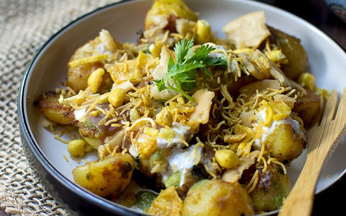 Aloo chaat indian spicy potato snack vegan one green planet forumfinder Images