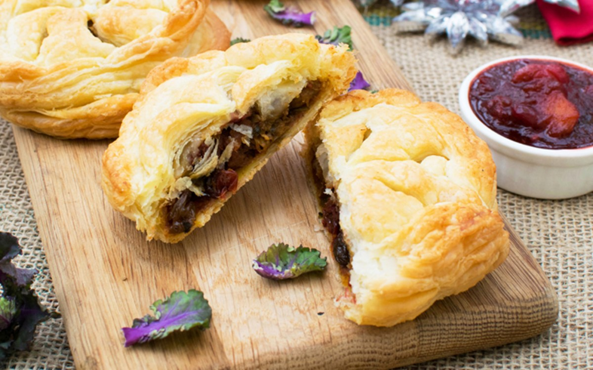 Pithivier With Cranberry Mango Chutney