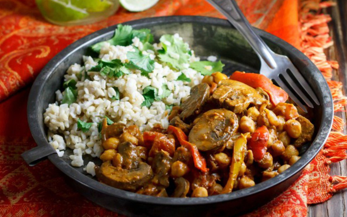 15 hearty stews chilis and curries that would make the best pot