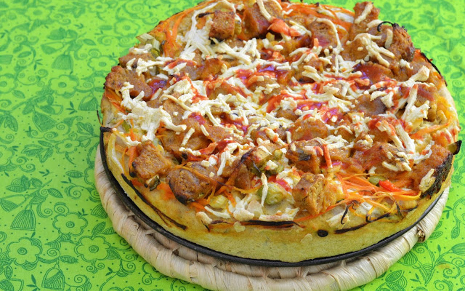 Buffalo Seitan Deep Dish Pizza