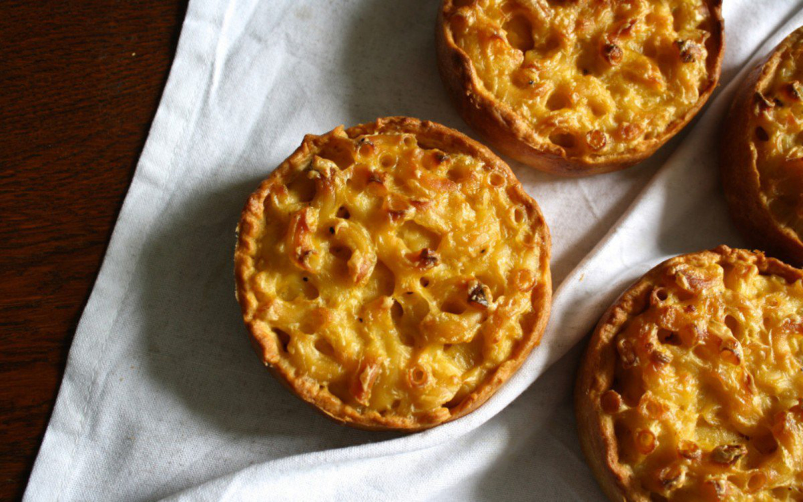 mac and cheese pies