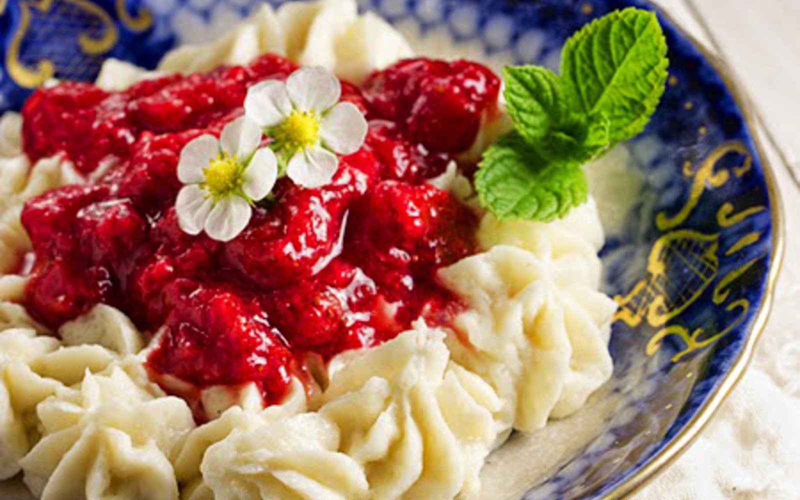 Rice Pudding With Stewed Strawberries