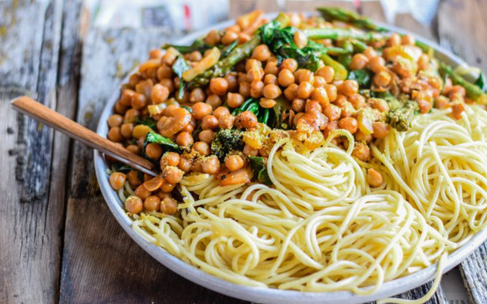 Vegan Spicy Vegetables and Chickpea Pasta