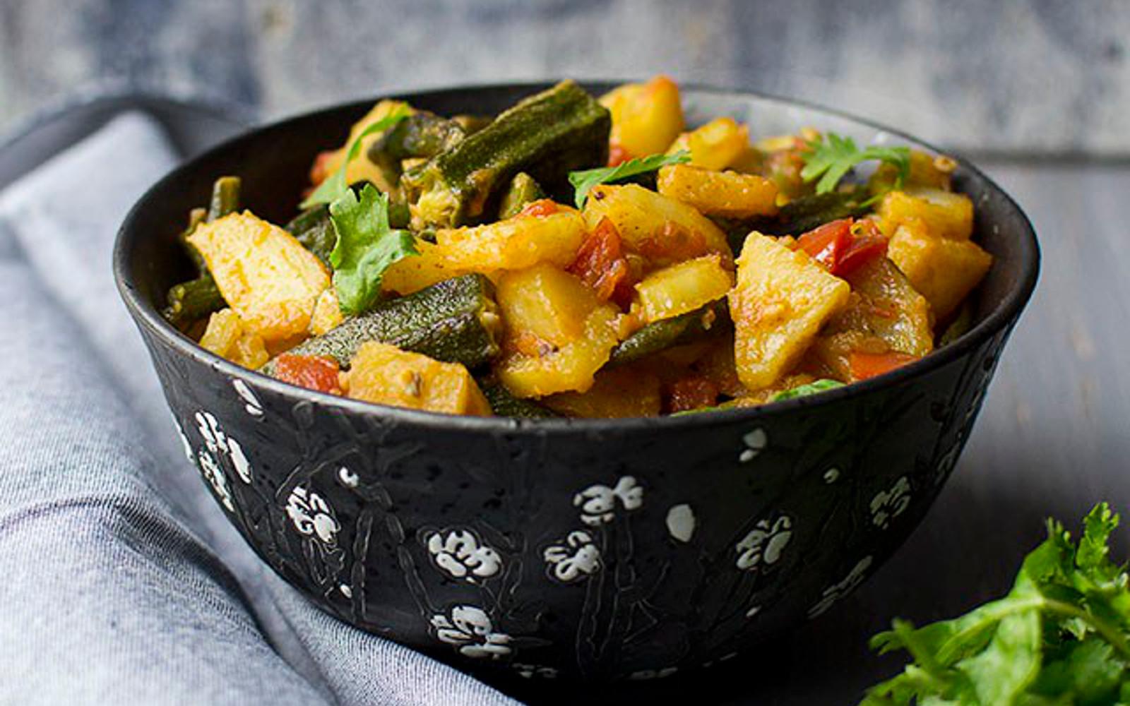 Aloo Bhindi ki Subzi: Potato-Okra Curry