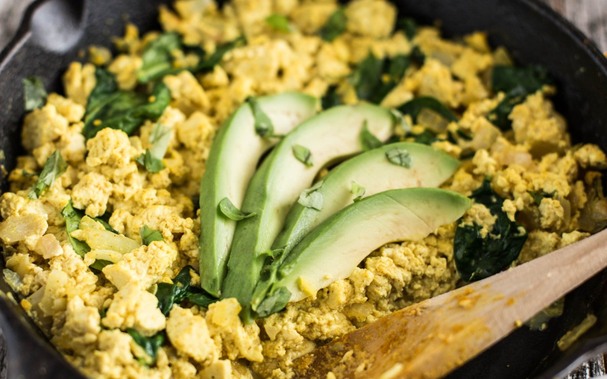 Cheesy Garlic and Onion Tofu Scramble