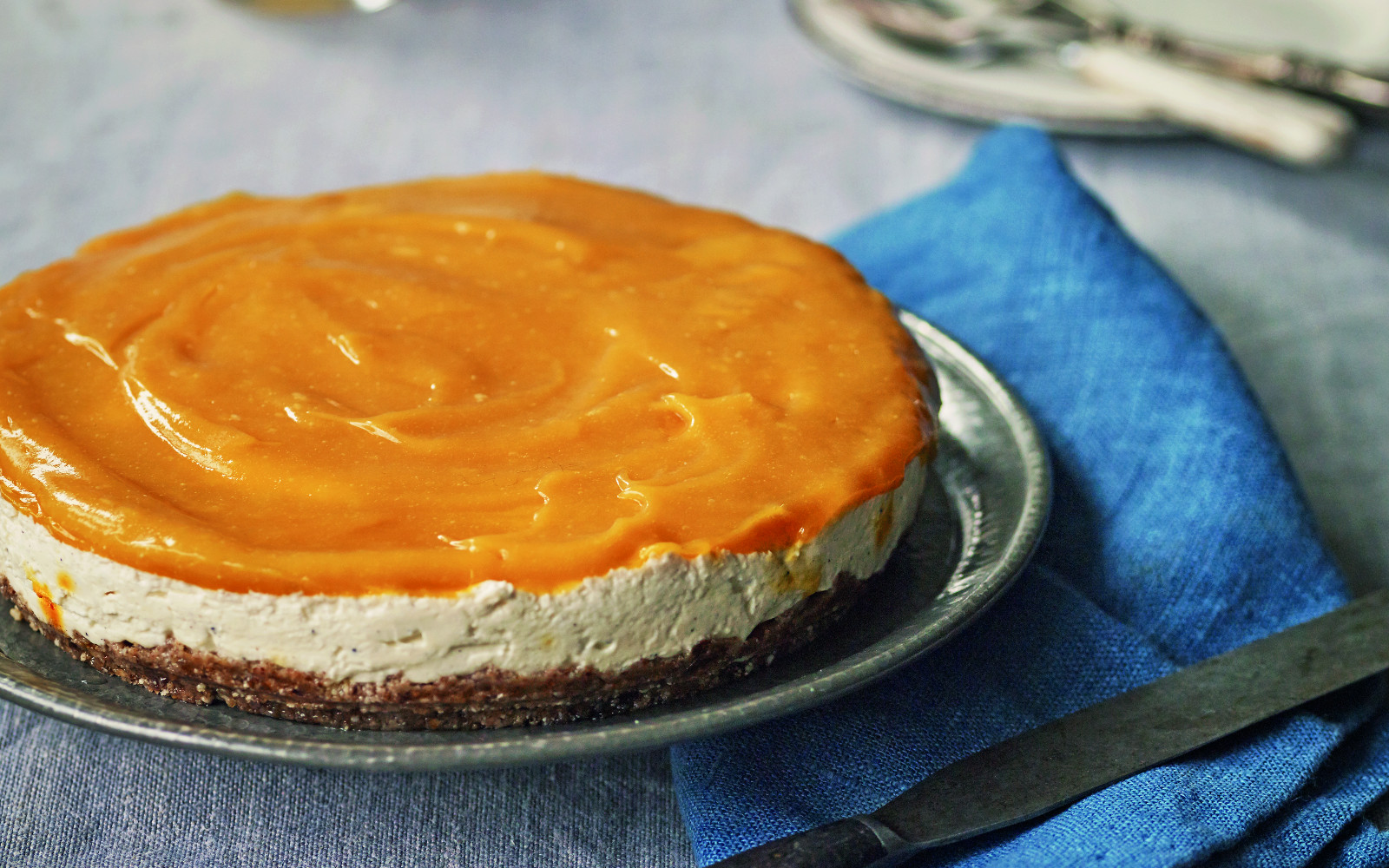 Mango Shrikhand Cheesecake
