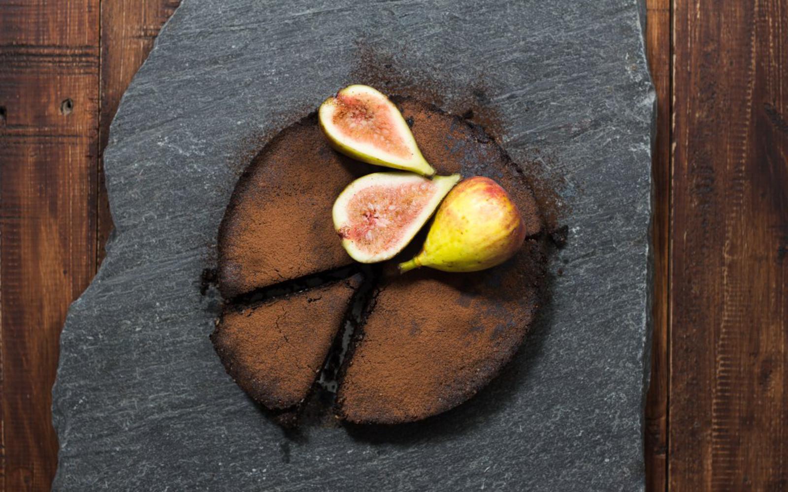 Carob and Fig Pie