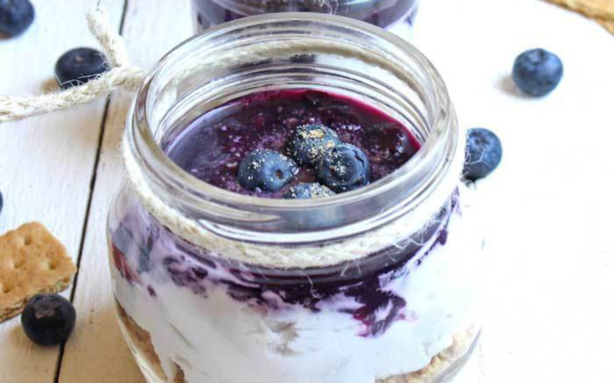 vegan blueberry cheesecake jars