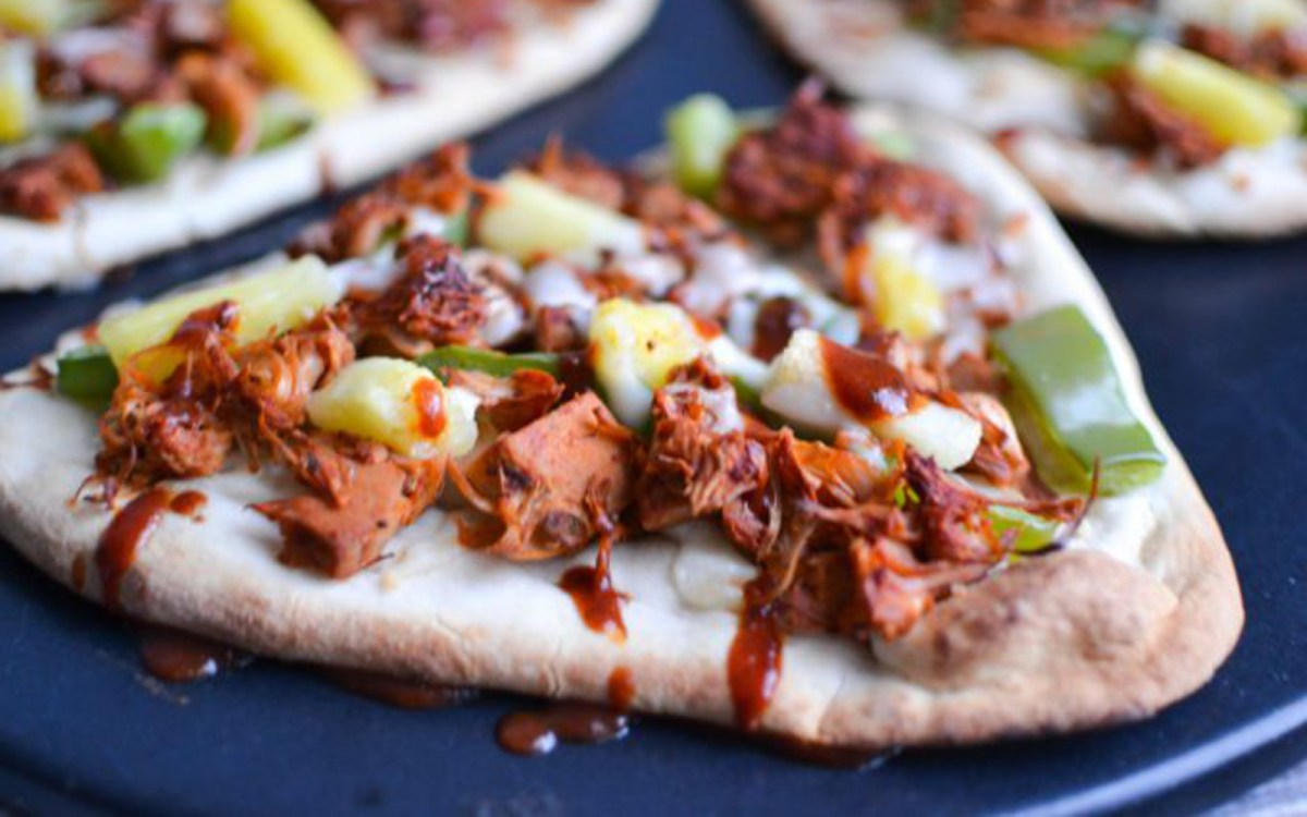 Vegan BBQ Jackfruit Naan Pizza