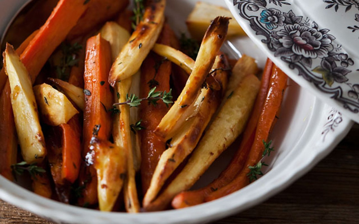 recipe: roasted parsnips and carrots with maple syrup [15]