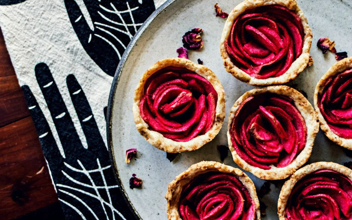 Vegan Mini Rose Apple Pies