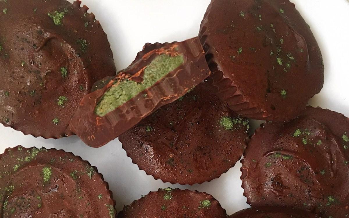 5-ingredient dark chocolate matcha cups