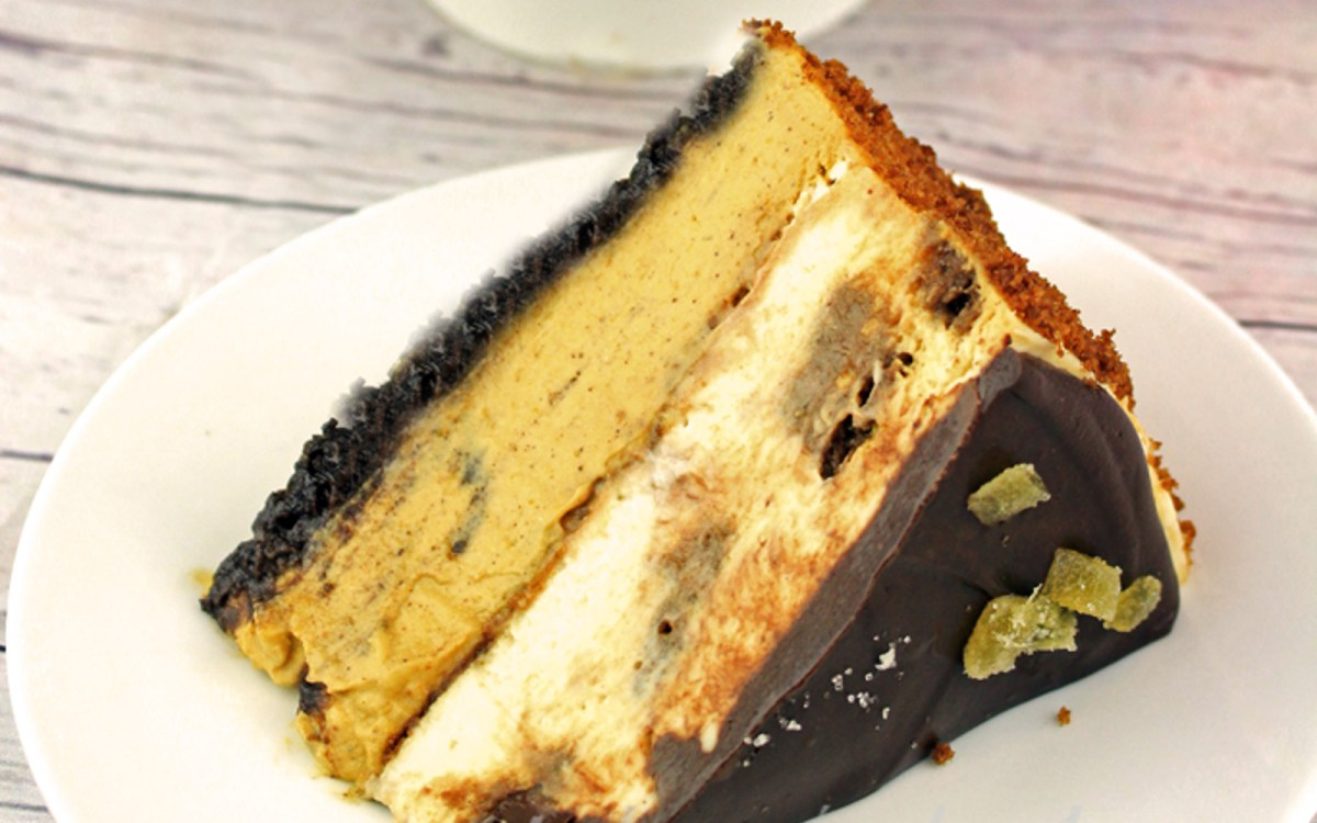 Ginger Pumpkin Chocolate Cheesecake [Vegan]