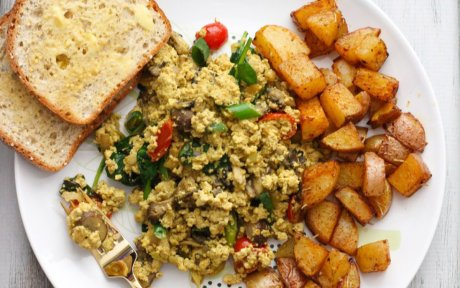 mushroom-tofu-scramble-with-roasted-paprika-potatoes