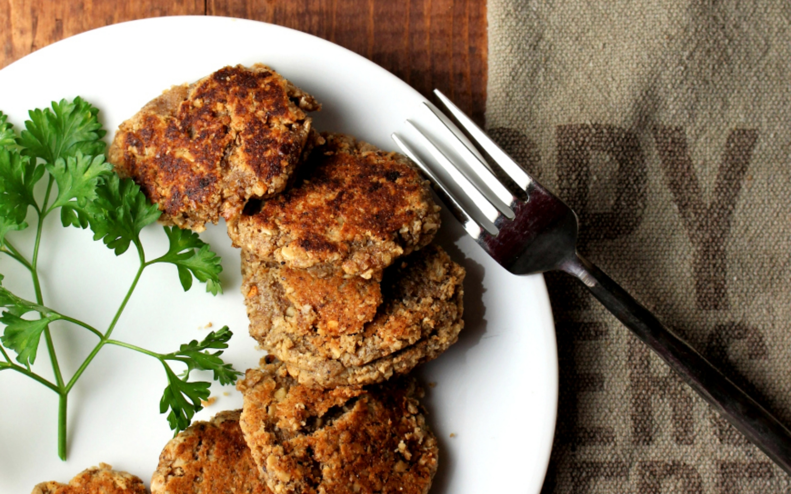 vegan walnut breakfast sausage