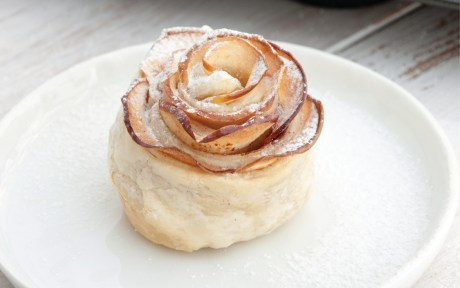 Vegan Fancy Apple Roses