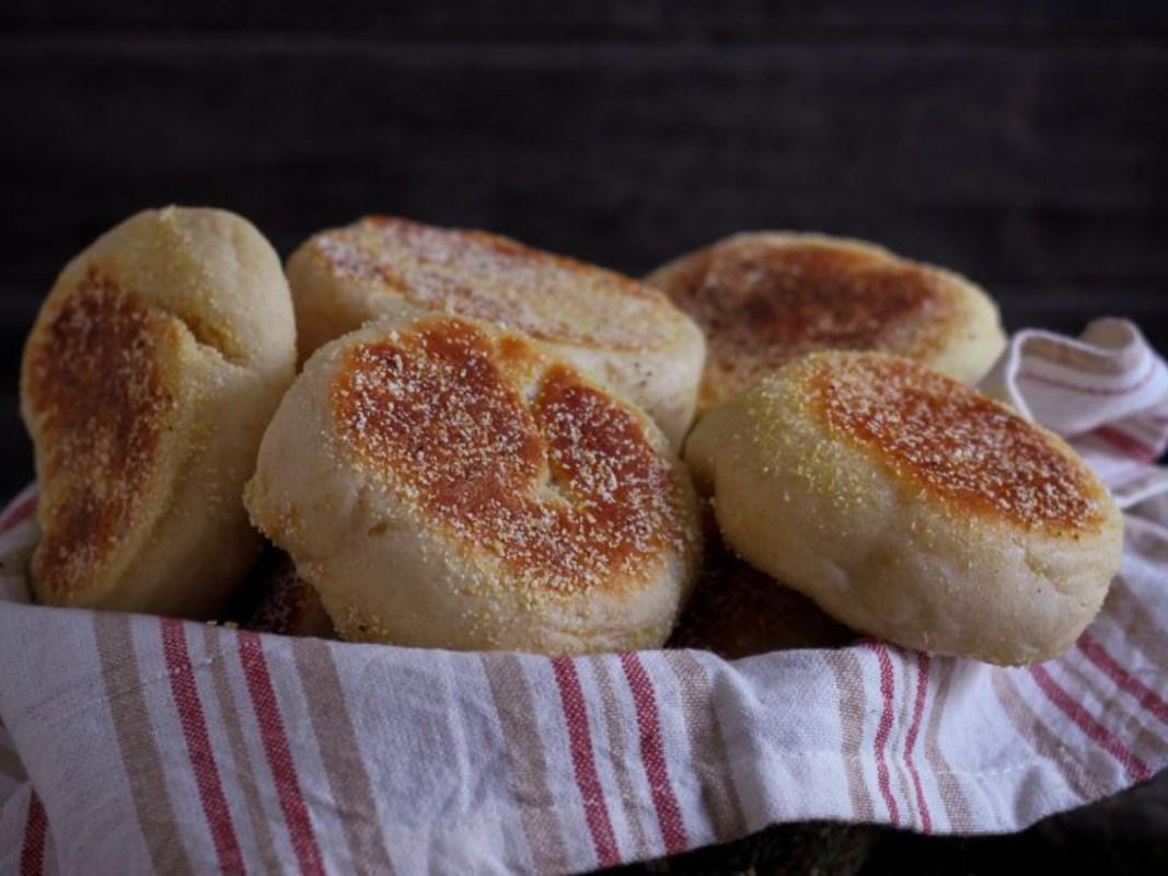 Easy Breakfast Muffins [Vegan]