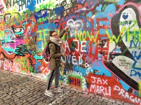 In beeld: Streetart in Praag (+ tips van de locals)
