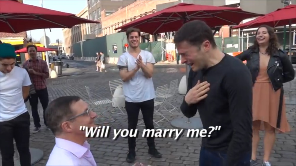 Flashmob in New York – Will you marry me?