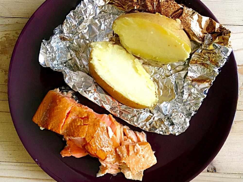 Gerookte zalm uit receptenboek Hete Kolen met gepofte aardappel