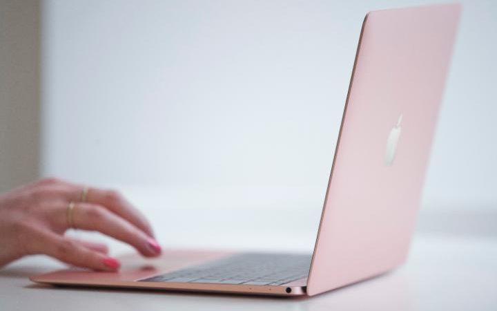 MacBook rose