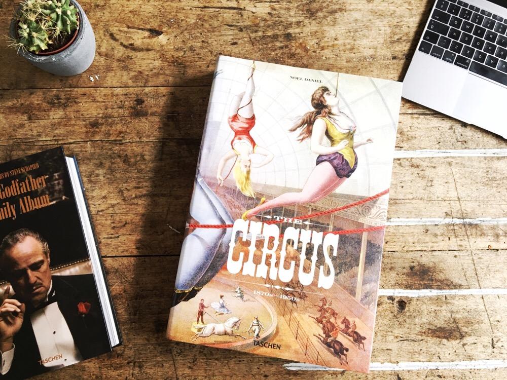 Taschen Circus