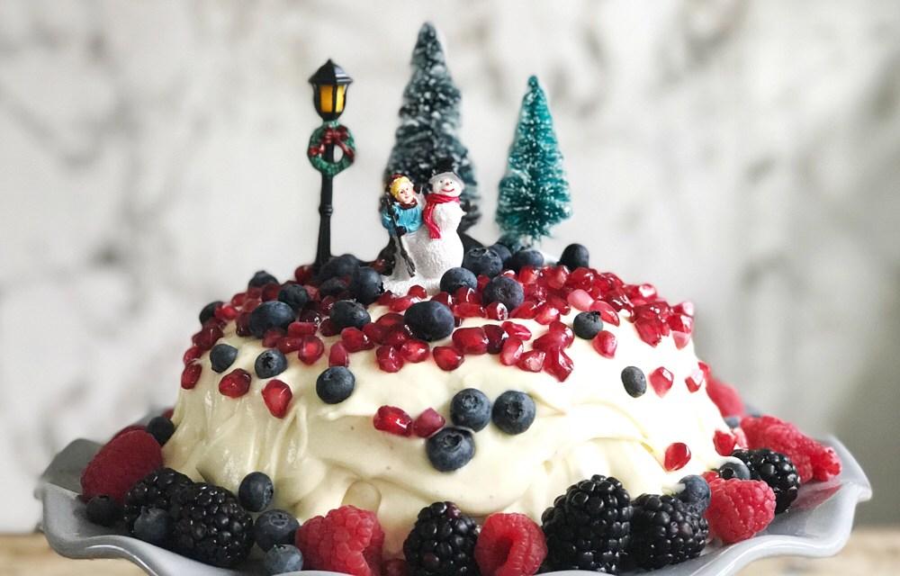 Recept: red velvet cake met roomkaas- en fruittopping