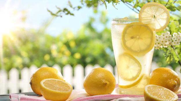 Hoe maak je suikervrije limonade