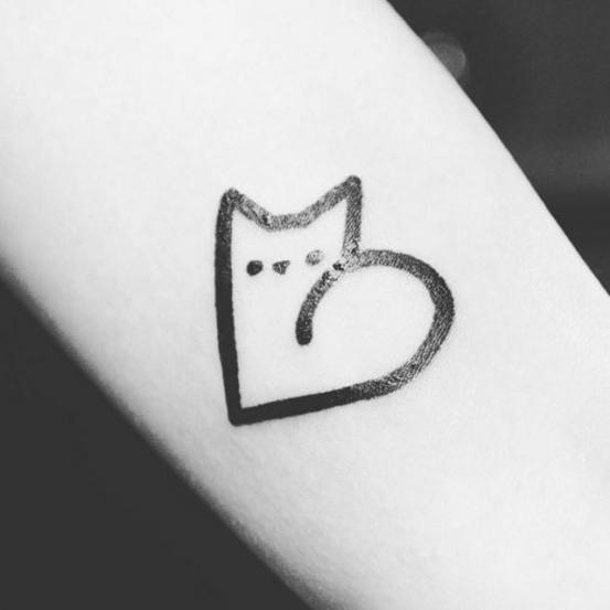 poes en hartje tattoo