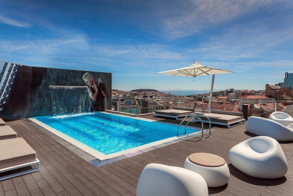 Fenix rooftop swimming pool