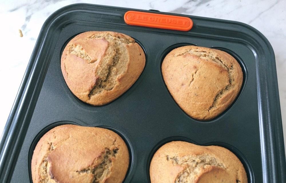 Blender muffins met havermout, banaan en pindakaas
