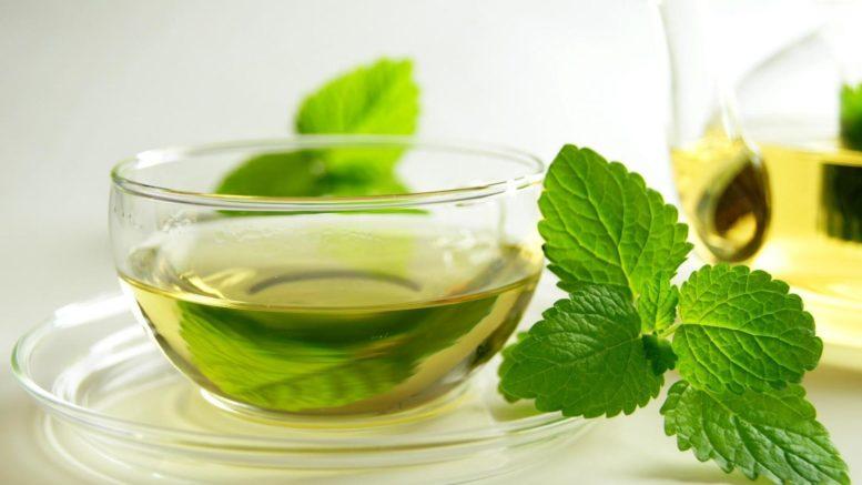 drankjes tegen hoofdpijn - pepermuntthee