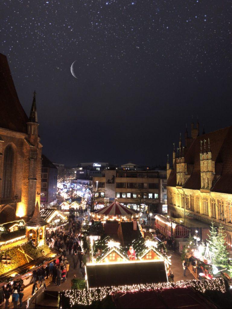 kerstmarkt in Hannover bij nacht