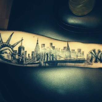 New York skyline tattoos onderarm